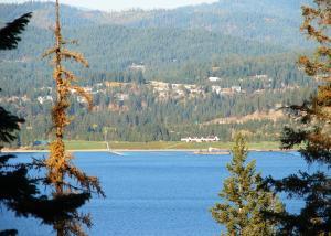 Coeur d'Alene Lake Views - Harbor Veiw Estates - Secondary Waterfront Lot