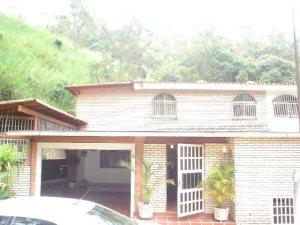 Casa en Los Teques Miranda,Colinas de Carrizal REF: 11-7854