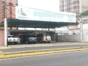 Comercial en Maracaibo Zulia,Avenida Universidad REF: 14-5657