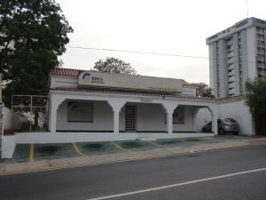 Comercial en Maracaibo Zulia,Santa Rita REF: 14-5741
