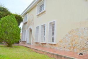 Townhouse en Maracaibo Zulia,Irama REF: 14-6305