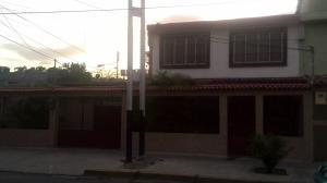 Casa en Maracay Aragua,Las Acacias REF: 14-6946