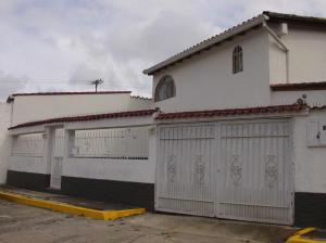Casa en Los Teques Miranda,San Homero REF: 14-7559