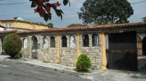 Casa en Los Teques Miranda,Los Montes Verdes REF: 14-7690