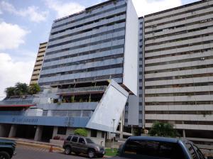 Apartamento en Maracay Aragua,Conjunto Residencial Los Jardines REF: 14-8756