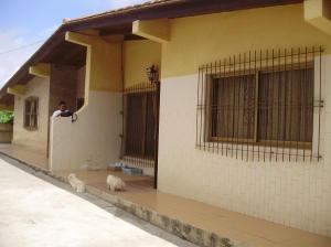 Casa en Los Teques Miranda,Municipio Guaicaipuro REF: 14-9309
