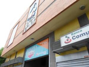 Comercial en Maracay Aragua,Avenida Bolivar REF: 14-9405