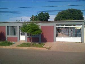 Casa en Maracaibo Zulia,La Rotaria REF: 14-10150