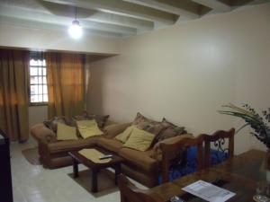 Apartamento en Maracaibo Zulia,Avenida Goajira REF: 14-10175