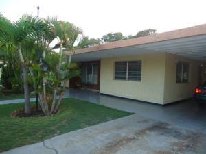 Casa en Maracaibo Zulia,Cantaclaro REF: 14-10306