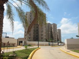 Apartamento en Maracaibo Zulia,Avenida Milagro Norte REF: 14-10561