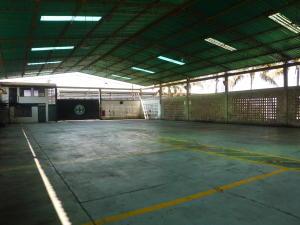 Comercial en Maracaibo Zulia,Zona Industrial Sur REF: 14-10576