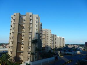 Apartamento en Maracaibo Zulia,Avenida Milagro Norte REF: 14-10585