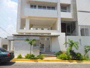 Apartamento en Maracaibo Zulia,El Milagro REF: 14-10606