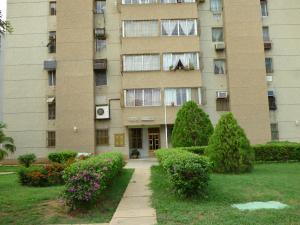 Apartamento en Maracaibo Zulia,Avenida Goajira REF: 14-11551