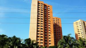 Apartamento en Maracaibo Zulia,Avenida Bella Vista REF: 14-11589
