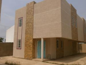 Townhouse en Cabimas Zulia,Nueva Delicias REF: 14-11822