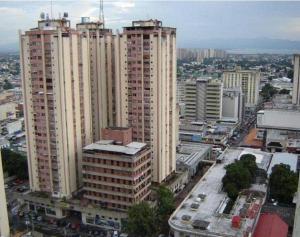 Comercial en Maracay Aragua,El Centro REF: 14-12378
