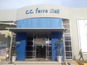 Comercial en Maracaibo Zulia,Avenida Goajira REF: 14-12626