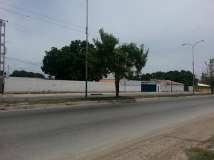 Terreno en Maracay Aragua,Avenida Aragua REF: 14-12663