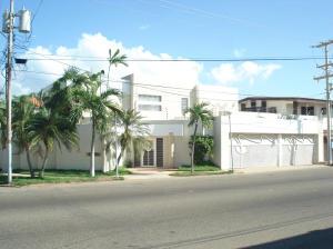 Casa en Maracaibo Zulia,Monte Bello REF: 14-12667