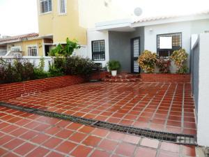 Townhouse en Maracaibo Zulia,Club Hipico REF: 14-12756
