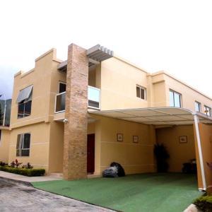 Casa en Maracay Aragua,El Castano REF: 14-12768