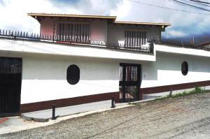 Casa en Los Teques Miranda,Macarena Sur REF: 14-12866