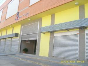 Comercial en Maracay Aragua,Avenida Bolivar REF: 14-12979
