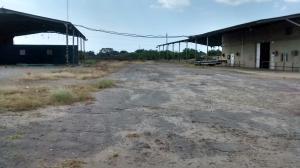 Comercial en Ciudad Ojeda Zulia,La N REF: 14-13433