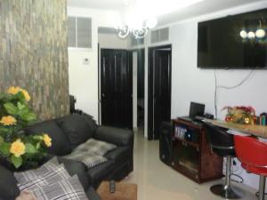 Apartamento en Ciudad Ojeda Zulia,Calle Piar REF: 14-13434