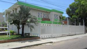 Comercial en Maracaibo Zulia,Santa Maria REF: 14-13472
