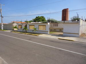 Casa en Maracaibo Zulia,Tierra Negra REF: 14-13477