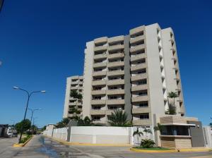 Apartamento en Maracaibo Zulia,Avenida Milagro Norte REF: 14-13499