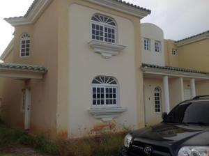 Townhouse en Maracaibo Zulia,Fuerzas Armadas REF: 14-13528