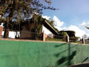 Casa en Los Teques Miranda,Macarena Sur REF: 14-13305