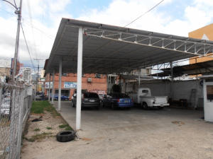 Comercial en Maracay Aragua,Avenida Paez REF: 15-794