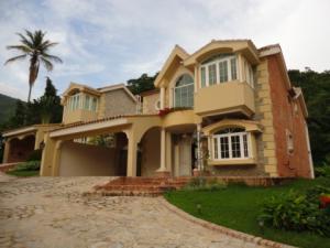 Casa en Maracay Aragua,El Castano REF: 15-863