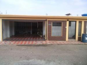 Casa en Maracaibo Zulia,La Picola REF: 15-1148