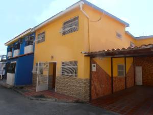 Casa en Maracay Aragua,La Coromoto REF: 15-1390