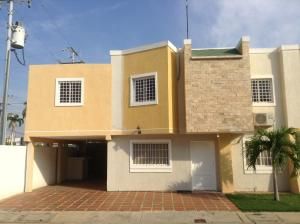 Townhouse en Ciudad Ojeda Zulia,Cristobal Colon REF: 15-2491