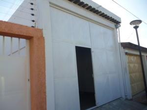 Comercial en Punto Fijo Falcon,Puerta Maraven REF: 15-2573