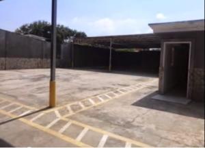 Comercial en Maracaibo Zulia,La Limpia REF: 15-2597