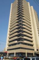 Comercial en Maracaibo Zulia,Valle Frio REF: 15-2625