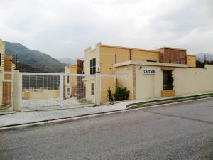 Casa en Maracay Aragua,El Castano REF: 15-3492