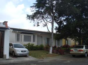 Casa en Los Teques Miranda,Los Picachos REF: 15-3693