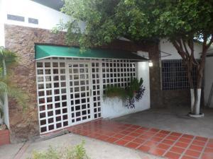 Comercial en Maracaibo Zulia,Las Mercedes REF: 15-3962
