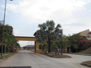 Terreno en Valencia Carabobo,Lomas del Country REF: 15-4070