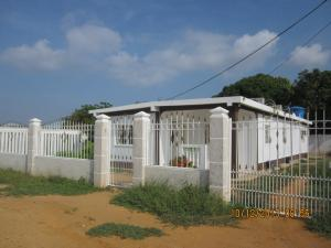 Casa en Santa Rita Zulia,Via Principal REF: 15-4097