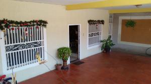 Casa en Maracaibo Zulia,Cumbres de Maracaibo REF: 15-4114